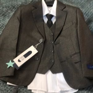Other - 3 piece suits size 6